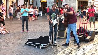 Gambar cover Two Street Performers Play