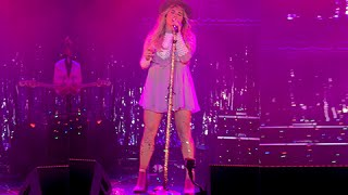Kesha -  Old Flames Can't Hold A Candle To You - Live at Atlantic City (Fuck The World Tour)