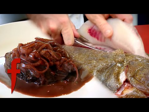 Gordon Ramsay Snaps A Knife!