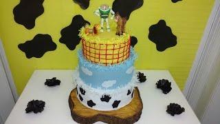 Aula 59 - Como fazer bolo fake em papel crepom - Festa Toy Story!