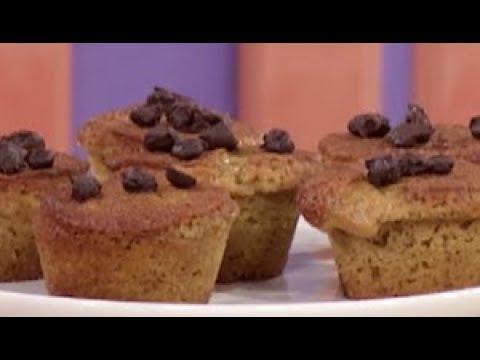 Muffin al caffè con chicchi di caffè ricoperti di cioccolato