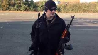 Airsoft AK47 VS M16