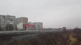 """""""Неузнаваемый"""" Тепловоз 2ТЭ10М-0382 с приветливой бригадой"""