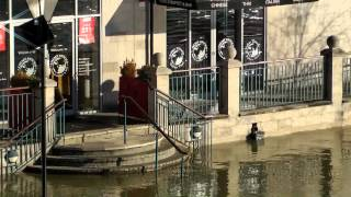 preview picture of video 'Flood Staines 2014 January + February'