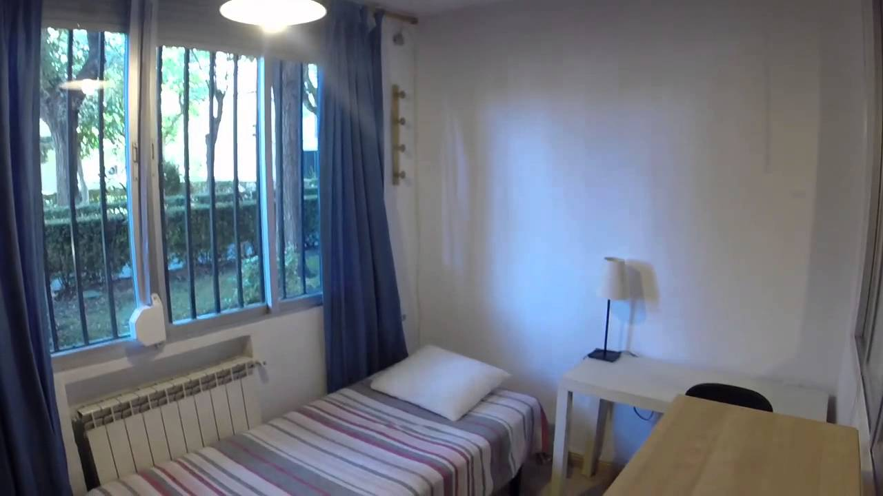 Comfortable room with chest of drawers in 4-bedroom apartment, Aluche