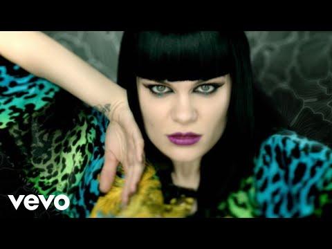 Cô ấy không xinh,nhưng giọng hát đó đưa MV này lên trên 100tr lượt view