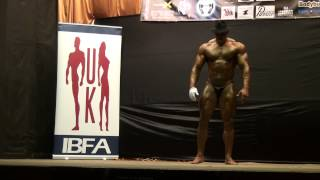 preview picture of video 'Lee Atlas guest posing at Mr Bolton show 2014'