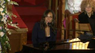 "Alicia Keys at Whitney Houston's Funeral ""Send me an Angel"""