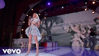"""When I Was A Little Girl (Live From """"Gwen Stefani's You Make It Feel Like Christmas"""")"""