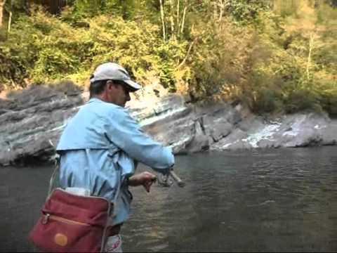 La pesca in Russia nella primavera di video