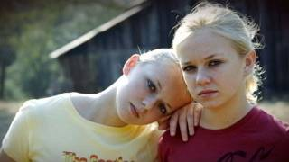 Teenage Sisters Singing: Neo-Nazi Beliefs Have Changed as These Two Girls Grew Up | Kholo.pk
