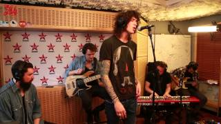 "Julian Perretta en Live dans Le Lab Virgin Radio ""Wonder Why"""