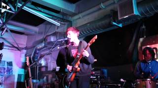 LoneLady - Groove It Out (live at Rough Trade East in-store)