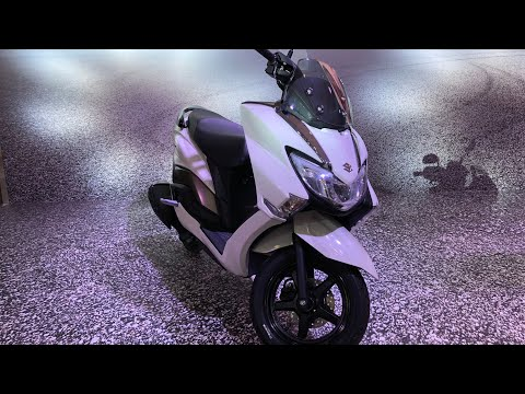 Suzuki Burgman Street 125 – Unique Scooter | MotorBeam