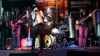 Angela Perley & the Howlin' Moons - Hurricane 12-20-14