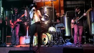 Angela Perley & the Howlin' Moons - Hurricane 12-20-14