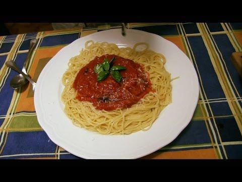 Cómo hacer Espaguetis Rojo con Salsa de Tomate