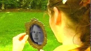 Gelb - Der Blick in den Spiegel
