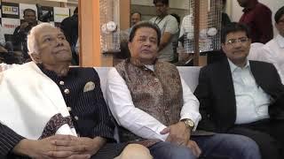सोनू निगम और हरिहरन ने केरला में बाढ़ से प्रभावित लोगों की मदद के लिए फण्ड रेज़र शो किया सौरभ दफ़्तरी के साथ।