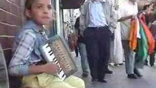 Musical Turkish Gypsy Girl Evades Police