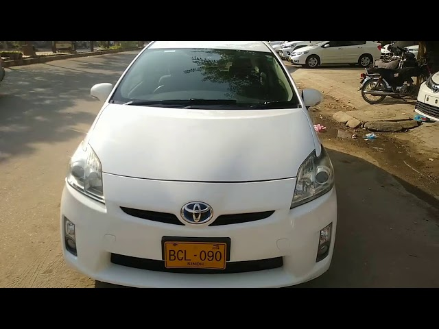 Toyota Prius S 1.8 2011 for Sale in Karachi