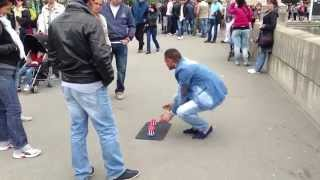 How 3 card monte works on the streets