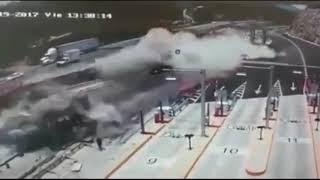Аварии грузовиков и Фур Подборка 2017 94c2a01b bbd4 4345 bb6b 88c06a6d18cc