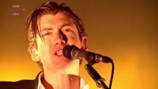 Arctic Monkeys - When The Sun Goes Down @ Reading Festival 2014 - HD 108