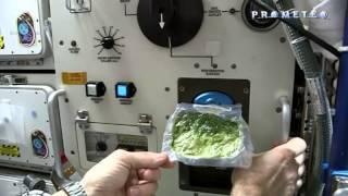 Come si prepara un panino nello spazio?