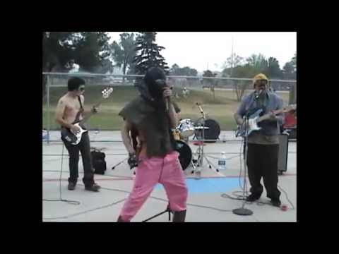 """oLD SCHOOL DISGRUNTLED NOISEBOX PERFROMING """"JANITORIAL BLUES"""" FROM 2005 MUSCATINE SKATEPARK SHOW!!!"""
