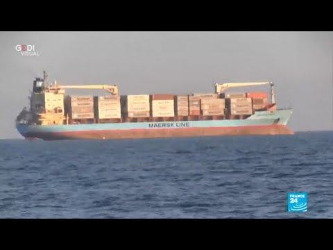 Italy: Maersk line ship carrying over 100 migrants docks in Sicily