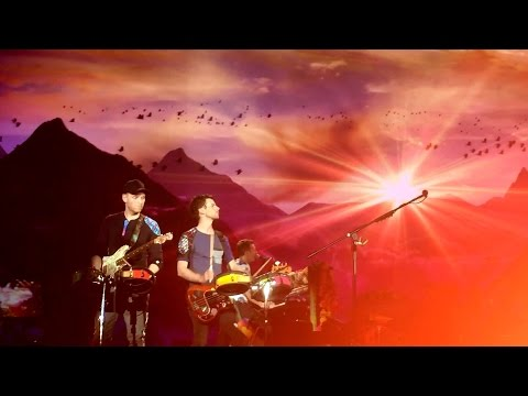 Brazil Full of Dreams: Hymn for the Weekend - Coldplay (Rio de Janeiro, 2016)