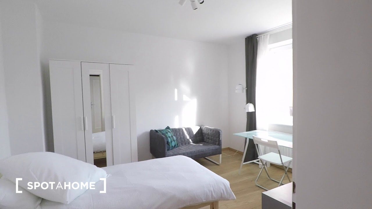Single Bed in Rooms for rent in 4-bedroom apartment in Treptow-Köpenick