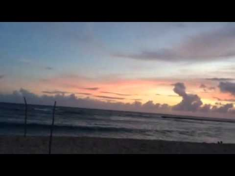 Неимоверный закат на пляже в Доминикане (видео)