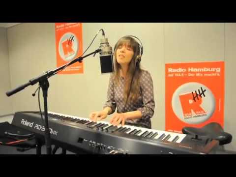 Laura Jansen - Single Girls (Live @ Radio Hamburg Studio)