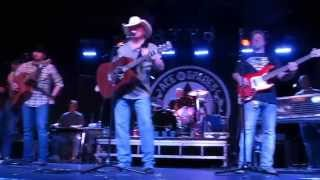 Mark Chesnutt & The New South   Talking To Hank..  7 10 2015