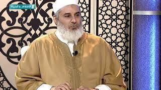 هل يجوز لقيّم المسجد إن كان غير ملتزم بعمله أن يتقاضى المرتب من الأوقاف؟