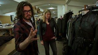 "Сериал ""Мушкетеры"", Costume tour with Tom Burke (Athos) - The Musketeers: Series 3"