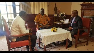 President Kenyatta in Kabarak to mourn with Former President Moi after the death of his son