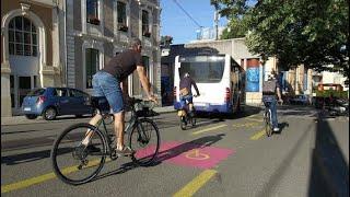 La pandémie donne un souffle inédit à la mobilité douce Video Preview Image