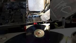 Quincy Jones vs 2pac