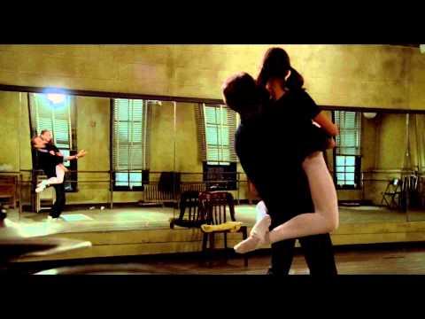 少女とバレエの練習中、間違ってチ●コが入ったまま抜けなくなるハプニングww