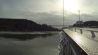 28' Duckworth passing through Deception Pass on 5/5/2016