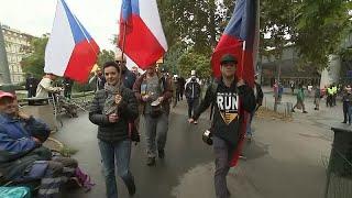 مظاهرات في براغ بسبب كورونا
