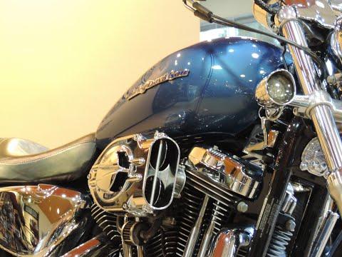 2005 Harley-Davidson® HD Sportster XL1200C 1200 Custom