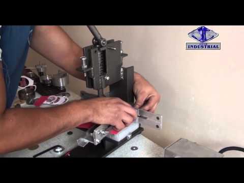 Maquina, prensa JC10 redondear esquinas (machine, press to round corners)