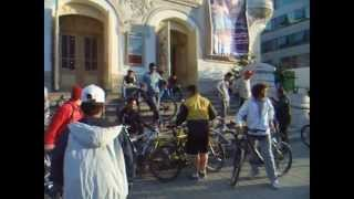 preview picture of video 'Vélo Tunisie. Critical Mass Tunis: première sortie du 26 avril 2014.'