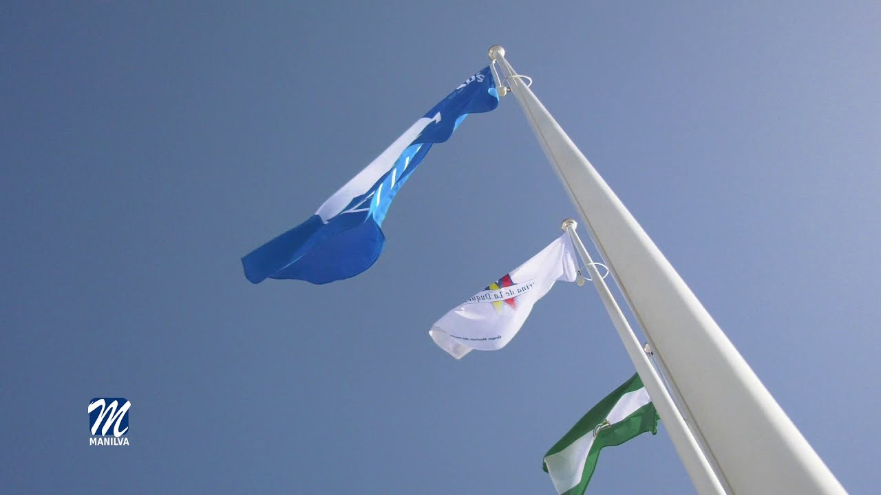 La bandera azul se izó en el Puerto de la Duquesa