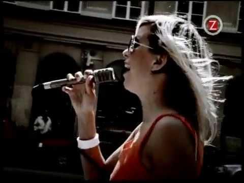 Женское счастье песню слушать