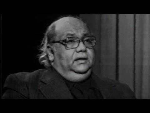 لقاء نادر - صلاح جاهين يتحدث عن كواليس أغانيه الوطنية
